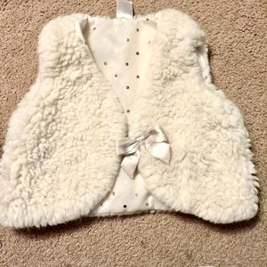 H&M fuzzy vest - 1.5-2 year old GIRL